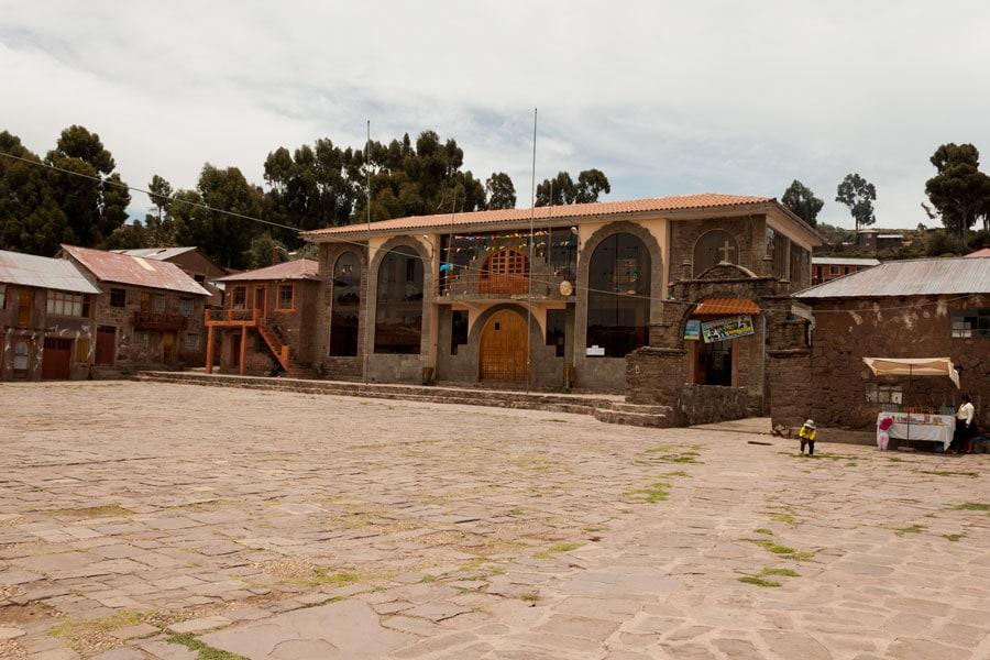 Plaza de la Isla Taquile