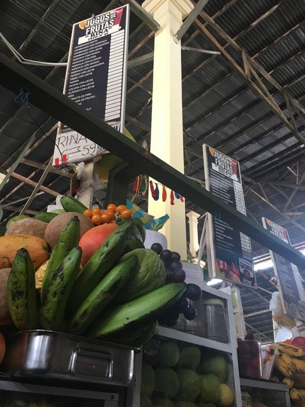 Stand de zumos en el Mercado de San Pedro