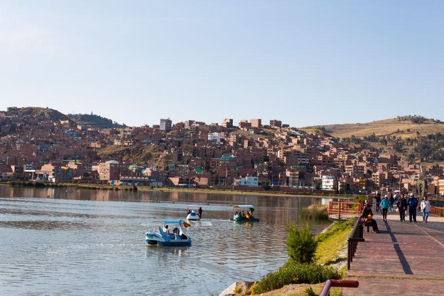 vistas de la ciudad de Puno desde el puerto