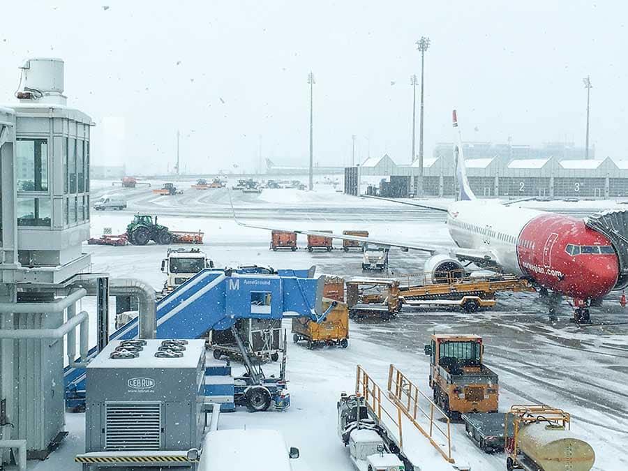 Trabajar con nieve: desventajas de ser azafata de vuelo