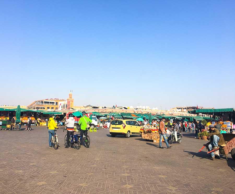 Plaza Jemaa el Fna durante el día