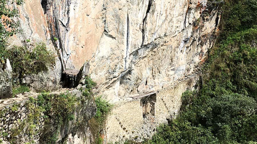 Imagen de la llegada al puente inca