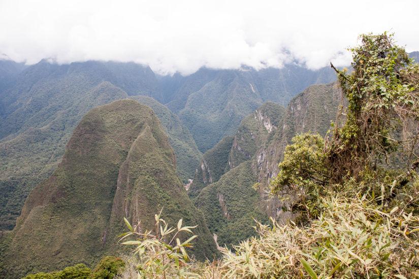 Foto de las vistas a la montaña Putukusi desde Intipunku