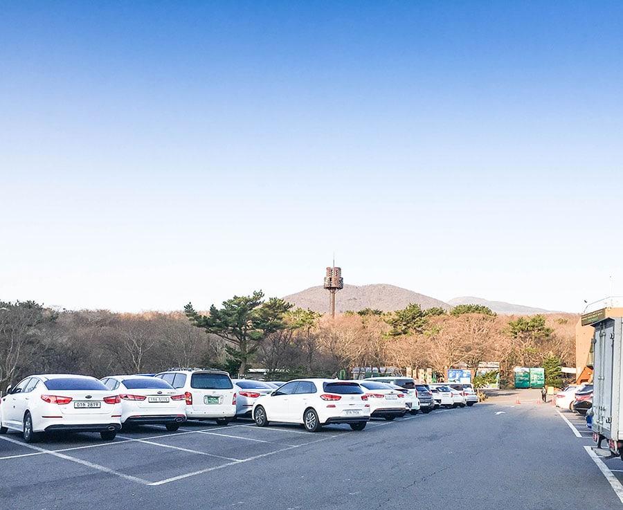 Parking e inicio de la ruta de Seongpanak